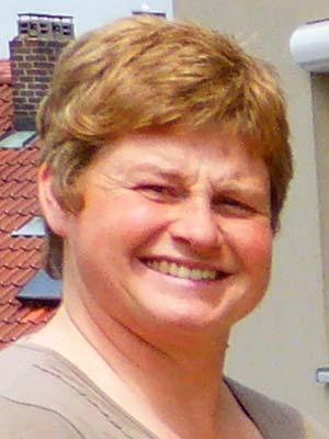 Kassiererin Bettina Burkert
